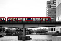 Docklands Train von Dawn OConnor