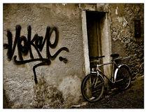 Grafitti - Novigrad, Croatia von Brian Grady