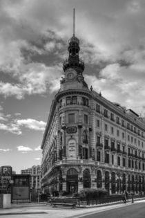 Banco Espanol by Roland Spiegler