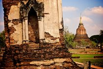 Ancient Ruins at Sukhothai Historical Park von Benjamin So