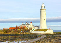 St Mary's Lighthouse by tkphotography