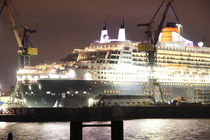 Queen Mary 2 im Dock von alsterimages