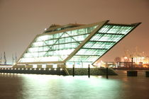 Dockland Hamburg bei Nacht by alsterimages