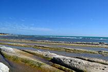 Sizilien, vom Meer glatt gewaschene Felsen by sandarine