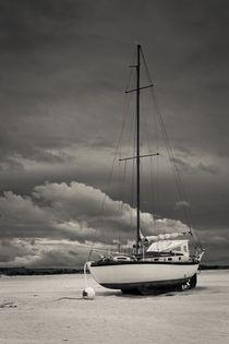 Sleeping Boat by Maciej Markiewicz