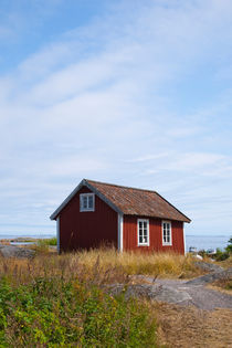 The small chapel on the island of Svartloga in the Archipelago of Stockholm, Sweden. von kbhsphoto