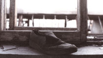 Old shoe by lagarto