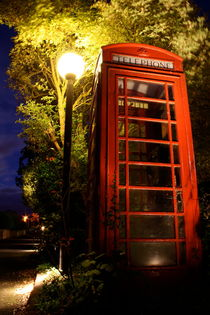 Red Phone Box von James Biggadike