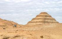 Sakkara Stepped Pyramid and Horseman von Graham Prentice