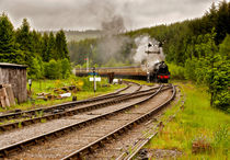 The Train Arriving by tkphotography