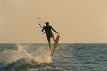 Kite-surfer-jumping-mandrem