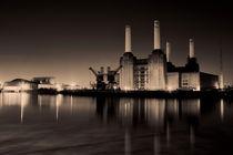 Battersea Powerstation Sepia von deanmessengerphotography
