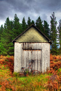 Hut HDR by Sam Smith