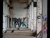 Verfall, altes Haus, Halle,  von Simone Cuambe