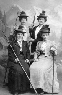 4-damen-bearbeitet-1