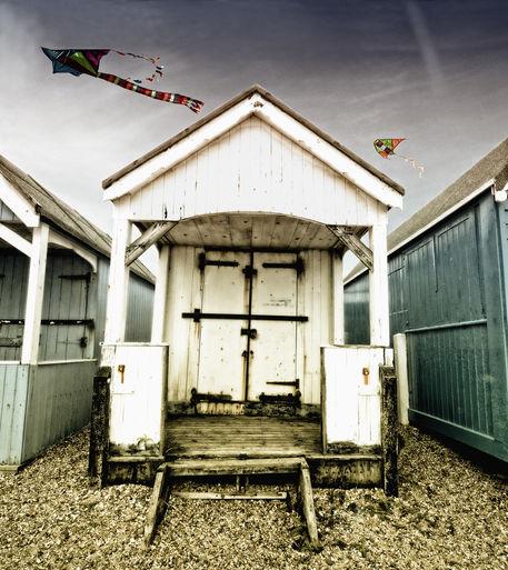 Beach-hut-grunge-3