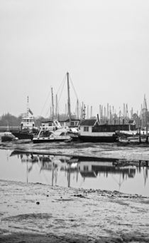 Low Tide by Nigel  Bangert