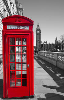 Big Ben Red Telephone box von David J French