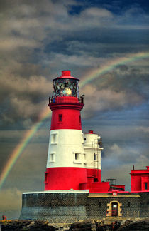 Rainbow Shines Through Lighthouse von sandra cockayne