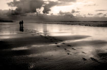 Footprints in the Sand von Wayne Molyneux