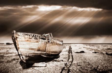Fishing-boat-graveyard9
