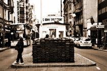 Checkpoint Charlie von Christian Behring