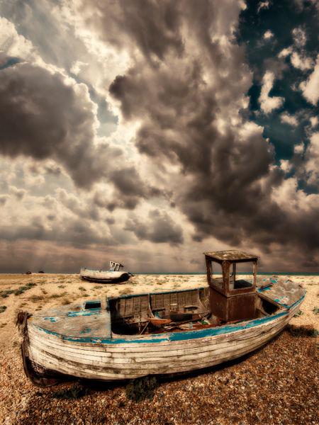 Fishing-boat-graveyard10