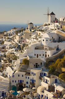 greek island village of Oia von meirion matthias