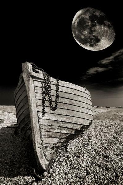 Graveyard-moon