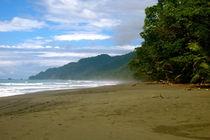 Einsamer Strand von Bettina Breuer