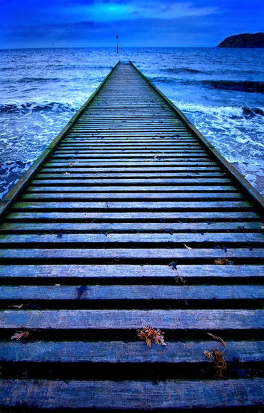 Jetty-in-blue