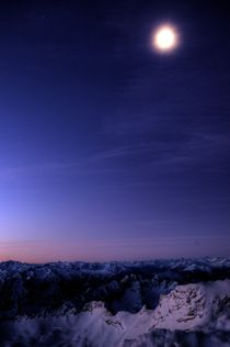 Alps at Night - Alpen bei Nacht von Doug Graham