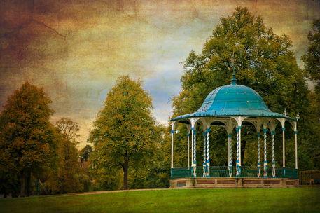 Vintage-bandstand