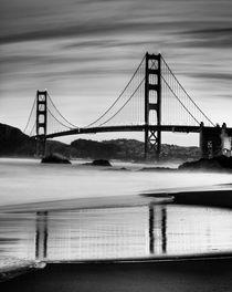 Bridge at the Break of Dawn von Rob van Kessel