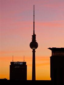 Fernsehturm Berlin im Abendrot von Veit Schuetz