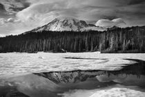 Mount Rainier reflection b/w von northwest-scenescapes