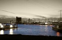Außenhafen am Abend - Outer harbor at night von ropo13