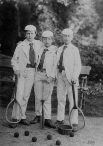 drei junge Tennisspieler von Tibor Hegewisch