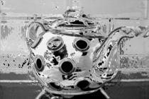 shimmering teapot von Brian Wallace