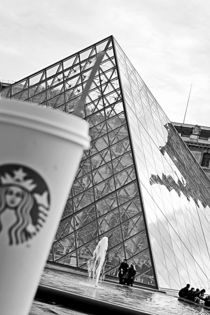 starbucks at louvre by Stephanie Wüstinger