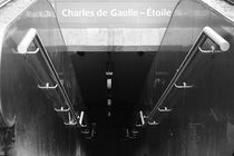 Metro Charles de Gaulle by Stephanie Wüstinger