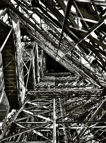 Inside the Eiffel Tower von Melinda Szente