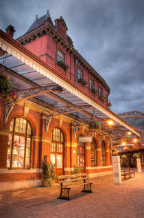 Windsor Royal Station UK by Martin Williams