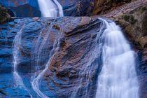 Golden blue waterfall von Maciej Markiewicz