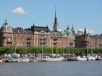 Stadsholmen,Schweden,Stockholm, Wasser, Schiff, Hafen, Meer, Wolken, Stadt, Häuser, Land, Natur, Skandinavien von Ka Wegner