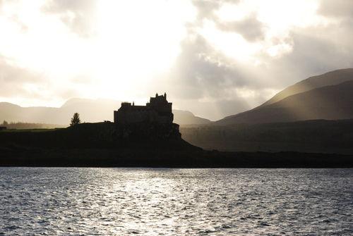Castle-on-scotlands-inner-behridean-islands