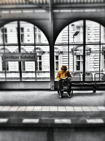görlitzer bahnhof by Rosemarie Rosenroth