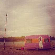 Faded Caravan von Kelsey Horne