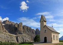 Kapelle in den Dolomiten by Wolfgang Dufner