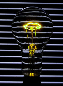Yellow Bulb von Rob Hawkins